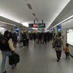 リニューアル当日に新千歳空港駅を訪問 ~改札周辺はディスプレイだらけ~